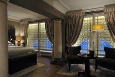 Una camera da letto elegante