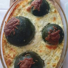 Recette LE FLAN AUX COURGETTES FARCIES et autres recettes Chefclub original   chefclub.tv Quiche, Tv, Breakfast, Food, Ornamental Grasses, Stuffed Zucchini, Smoked Salmon, Morning Coffee, Television Set