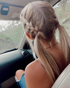 Long Ash Blonde Hair - 20 Best Long Hairstyles for Women of All Ages 2019 - The Trending Hairstyle Basic Hairstyles, Cute Hairstyles For Teens, Sporty Hairstyles, Teen Hairstyles, Braided Hairstyles, School Hairstyles, Summer Hairstyles, Medium Hair Styles, Curly Hair Styles