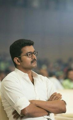 Cool and humble vijay 💟 Ilayathalapathy Vijay, Bollywood Heroine, Vijay Actor, Wonderful Picture, Cute Actors, Indian Celebrities, Beard Styles, Best Actor, Picture Quotes