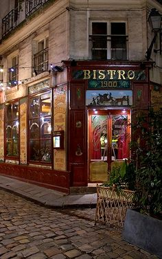 Bistro 1900, Paris (by Rita Crane Photography on Flickr)