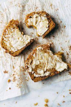 Super Moist Pumpkin Bread //