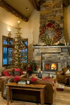 Inspiring Rustic Christmas Fireplace Ideas To Makes Your Home Warmer 18 Christmas Fireplace, Noel Christmas, Country Christmas, Christmas Thoughts, Christmas Lights, Log Cabin Christmas, Christmas Design, Indoor Christmas Decorations, Holiday Decor