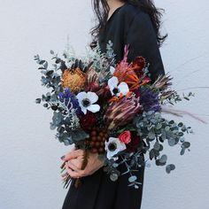 souiさんはInstagramを利用しています:「Bouquet。 . . #ブーケ #ドライフラワー #プリザーブドフラワー #プレ花嫁 #結婚準備 #結婚式準備 #花嫁準備 #挙式 #披露宴 #お色直し #結婚式前撮り #フォトウェディング #ウェディングブーケ #ブライダルブーケ #リースブーケ #ヘッドドレス…」