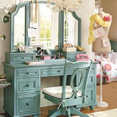 This desk is so cute plus the mannequin would be perfect for hanging scarves on!