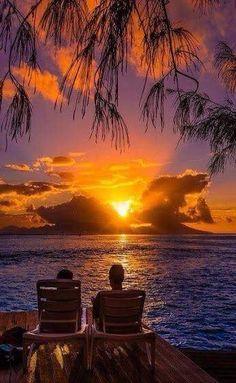 Ferme les yeux préféré et tu verras notre coucher de soleil à Hawaï, le vrai, le beau ;)