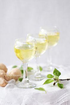 Nalewka imbirowa @ wiem co jem Polish To English, Limoncello, Fun Drinks, Good Food, Tableware, Recipes, Foods, Wine, Party