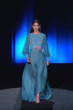 Prom Dresses With Sleeves, Gala Dresses, Ball Gown Dresses, Shifon Dress, Haute Couture Dresses, Couture Fashion, Runway Fashion, Hijab Evening Dress, Evening Dresses