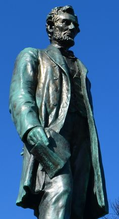 Tour Scotland photograph of Abraham Lincoln Statue on ancestry visit to Old Calton cemetery Edinburgh.