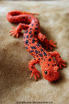 """Купить Брошь """"Саламандра"""" - ящерица, саламандра, оранжевый, черный, брошь, брошь из бисера"""