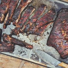 Smoked Spare Ribs St. Louis Style aus dem Gasgrill oder Smoker Smoked Pulled Pork, Smoked Ribs, Smoking Spare Ribs, Bbq, Kamado Grill, Comfort Food, Steak, Grilling, Apple