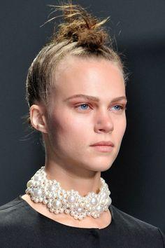 Tendance bijou perle: collier Simone Rocha printemps ete 2014