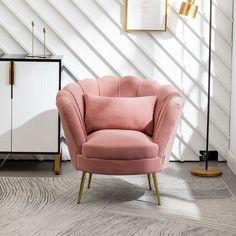 8 πανέμορφα ροζ γραφεία στο σπίτι, που θα σε βάλουν να βάψεις το δωμάτιο! #βαψιμο2021 #βαψιμοδωματιου #βαψιμοιδεες #γραφειοδωματιο #γραφειοσπιτιου #γραφειοστοσπιτι #δουλειααποτοσπιτι #ιδεεςδιακοσμησης #ροζ #χρωματοιχου #χρωματατοιχων ΑΝΑΚΑΙΝΙΣΗ Fabric Armchairs, Fabric Sofa, Room Ideas Bedroom, Bedroom Decor, Bed Room, Blue And Pink Living Room, Single Couch, Red Armchair, Colorful Apartment