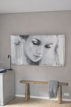 Groot schilderij toepassen in je interieur. = Big paintings can be beautiful