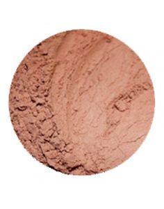 Erth Glow solpudder gir en lett solbrun glød med svakt skimmer og kalde undertoner. Passer fint for deg som har lys hud og ønsker en lettere...