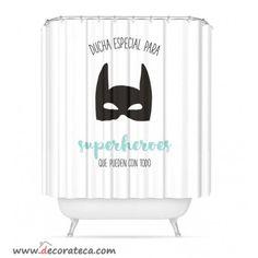 Cortinas de baño con frases originales: Ducha especial para superhéroes que pueden con todo. Cortinas originales blanco y verde mint - WWW.DECORATECA.COM