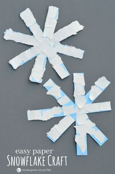 This paper snowflake craft is an easy winter craft for kids especially toddlers, preschoolers, and kindergartners. Preschool Winter, Winter Crafts For Toddlers, Winter Activities For Kids, Preschool Kindergarten, Winter Kids, Fun Crafts For Kids, Preschool Themes, Preschool Art, Cute Crafts