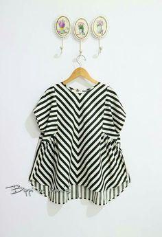 Batik Fashion, Batik Dress, Kebaya, Kids Wear, Striped Dress, Kurti, Sewing Diy, Woman Clothing, Clothes For Women