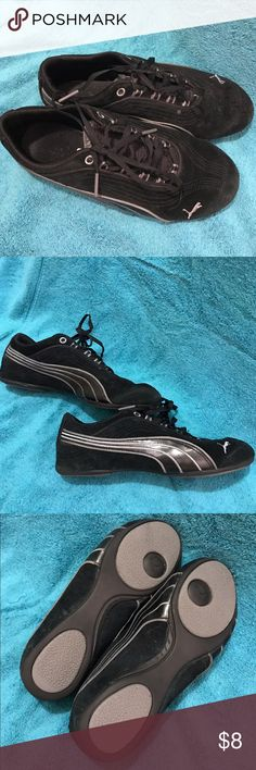 Puma Shoes Women's size 7 black/silver puma sneakers- no flaws just a size too big for me unfortunately! Puma Shoes Athletic Shoes