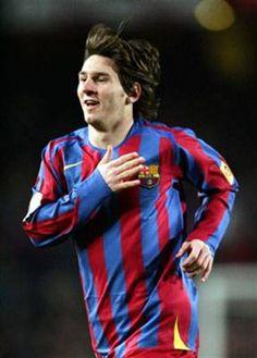 """""""Soy chico y veo al fútbol como un divertimento""""  En Barcelona, se ganó la titularidad y el afecto de los catalanes. Lionel Messi, Prepping, Barcelona, Hollywood, Style, Fashion, Documentaries, Girls, Swag"""