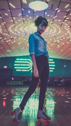 photoshoot Roll Bounce Project by Adley Haywood Captured at the Skateland North skating rink with roller skates. It was a vintage fashion themed photoshoot with talented models. To see more check out his : .com/a_haywoodphoto Roller Disco, Roller Rink, Roller Skating Rink, Photoshoot Themes, Photoshoot Inspiration, Photoshoot Vintage, Roller Skating Pictures, Skate Photos, Looks Vintage