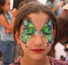 Simple face painting designs are not hard. Many people think that in order to have a great face painting creation, they have to use complex designs, rather then Face Painting Images, Girl Face Painting, Face Painting Designs, Paint Designs, Face Paintings, Face Paint Party, Cool Face Paint, Butterfly Face Paint, Butterfly Makeup