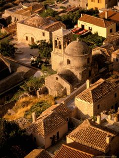 GREECE CHANNEL | Monemvasia (Greek: Μονεμβασία) is a town and a municipality in Laconia, Greece.