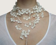 Delicate crocheted lariat made of white Linen thread {magdalinen}