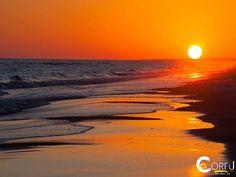 Παραλία Ίσσος: Η παραλία Ίσσος είναι μια μεγάλη αμμώδη παραλία δίπλα στη λίμνη Κορισσίων και το χωριό του Αγίου Γεωργίου(Νοτος)...