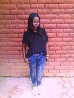 Black blouse+ sporty jeans+ airmax1