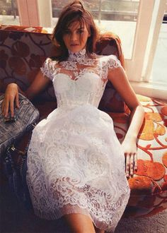 Majestuoso encaje blanco para vestido de novia corto