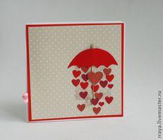 Открытка ` Красный зонтик`. Открытка с красным  зонтиком, который дарит любовь..      Внутри 1  лист и калька.   В работе использованы скрапбумага,  эмбоссинг, штампы.