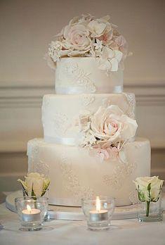 Hochzeitstorte mit drei Etagen. #weddingcakes