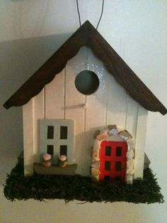 ADORABLE *NEW* cottage birdhouse! $30.00 etsy.com/people/chloehaney