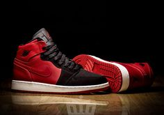 air-jordan-1-black-red-wmns-exclusive-01