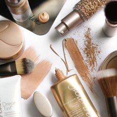 Looking for a quick and easy summer makeup tips for glowing skin? Read on  these fool-proof ways so you can show your lovely skin this summer.