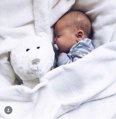 Baby Korean Boy Newborn New Ideas Cute Baby Boy, Cute Little Baby, Little Babies, Baby Kids, Small Baby, Baby Baby, Cute Babies Newborn, Adorable Babies, Korean Babies