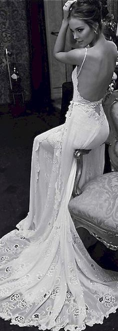 Awesome 95+ Gorgeous Backless Wedding Dresses Design Ideas https://bitecloth.com/2017/11/25/95-gorgeous-backless-wedding-dresses-design-ideas/
