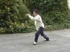 Practicing Simplified 24 Form Tai chi by using Traditional Yang Tai Chi style that is good for health Tai Chi Chuan, Tai Chi Qigong, Martial Arts Workout, Boxing Workout, Xing Yi Quan, Tai Chi For Beginners, Difficult To Cure, Chinese Martial Arts, Senior Fitness
