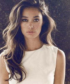 I like the soft curls and touseled look - simply beautiful