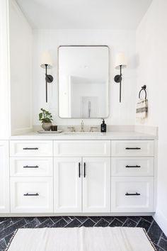 Navigate to this site Tiny Bathroom Renovation White Master Bathroom, White Vanity Bathroom, Small Bathroom, Modern Farmhouse Bathroom, Modern Bathroom Design, Bathroom Interior Design, Condo Living Room, Bathroom Renos, Bathroom Fixtures