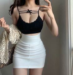 Teen Girl Outfits, Hot Outfits, Edgy Outfits, Teen Girl Poses, Fashion Outfits, Korean Girl Fashion, Cute Fashion, Ulzzang Fashion, Really Cute Outfits