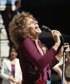 "Barbra Streisand ""A Star is Born"" Brooklyn, New York City, Kris Kristofferson, Star Wars, Barbra Streisand, A Star Is Born, Hello Gorgeous, Beautiful, Female Singers"