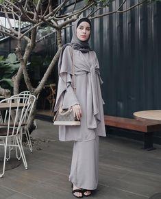New Elegant Bridal Saree Style Ideas Batik Muslim, Kebaya Muslim, Bridal Sarees South Indian, Indian Bridal Wear, Kebaya Dress, Hijab Dress, Muslimah Wedding Dress, Model Kebaya, Muslim Women Fashion