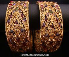 gold bangle images