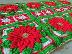 Christmas poinsettia crochet afghan