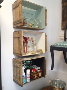 boîte de pommes tablette Decoration, Cool Furniture, Baby Room, Liquor Cabinet, Bookcase, Sweet Home, Shelves, Storage, Crafts