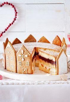 Aprikosen-Mascarpone-Creme und Schokosahne, hübsch umrandet mit Lebkuchenfassaden. #weihnachten #weihnachtsbäckerei