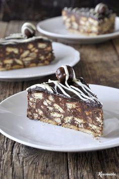 Easy mosaic cake with hazelnut praline Greek Sweets, Greek Desserts, Party Desserts, Summer Desserts, Dessert Recipes, Chocolate Fridge Cake, Chocolate Sweets, Chocolate Recipes, Xmas Food