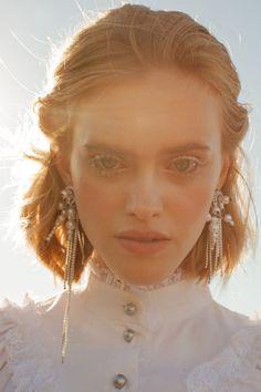 Bride Earrings, Drop Earrings, Fashion Face, Face Art, Redheads, Beautiful People, Make Up, Photoshoot, Portrait